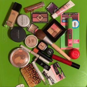Makeup bundle +more